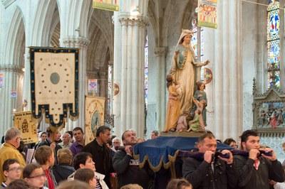 Procession d'entrée dans la basilique