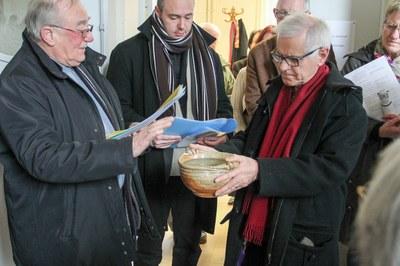Bénédiction de l'eau avant la bénédiction de la Maison Diocésaine