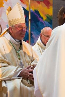 23 - Mgr Maillard et Georges Ouensavi