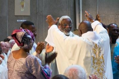 40 - Danse après l'Eucharistie